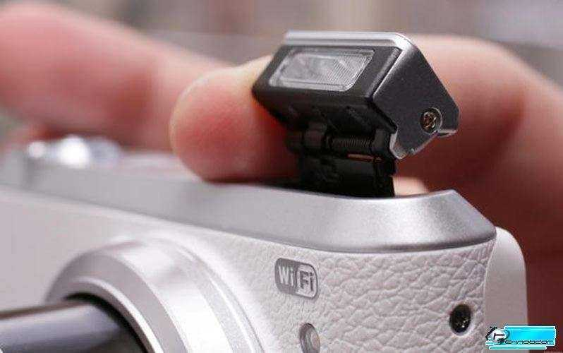 Samsung WB350F фотовспышка