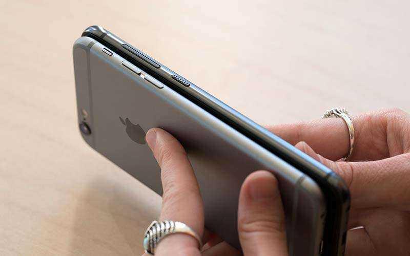 Смартфон HTC One A9 и iPone 6s