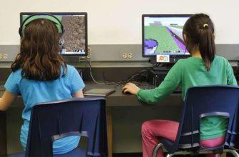 Игра Minecraft продает 10000 копий в день и учит мышлению