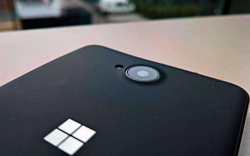 Lumia 650 - отличный дисплей, хорошая камера