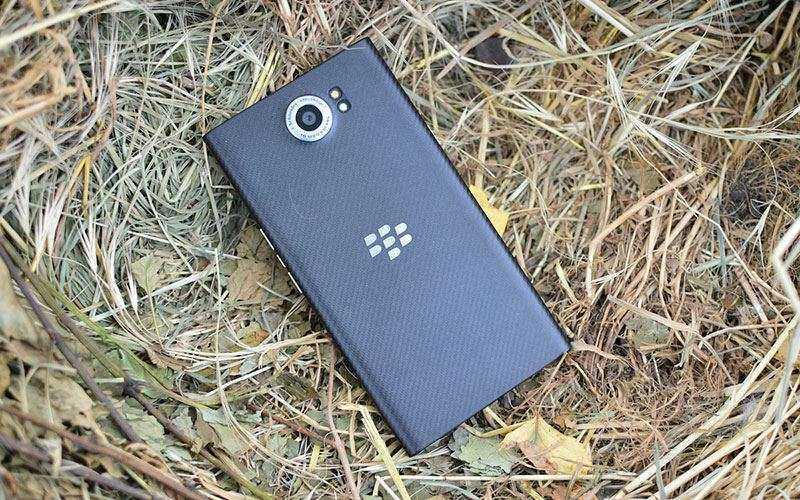 BlackBerry Priv сзади