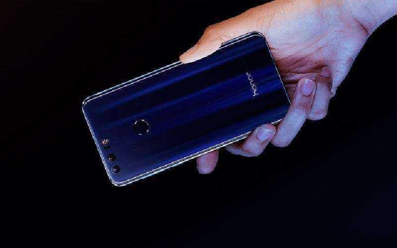 Huawei Honor 8 с двумя камерами