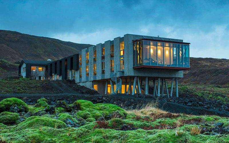 Отель у подножья вулкана