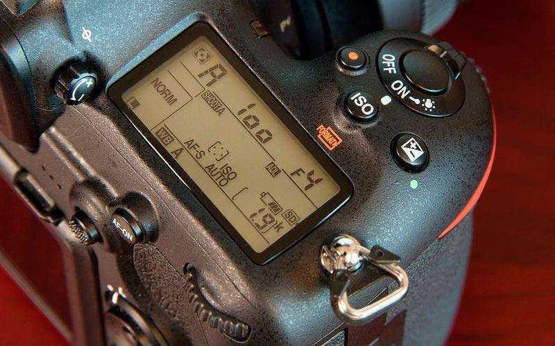 дисплей настроек Nikon D500