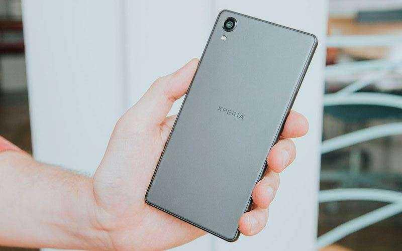 дизайн Sony Xperia X