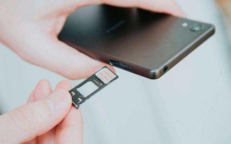 Слот Sony Xperia X