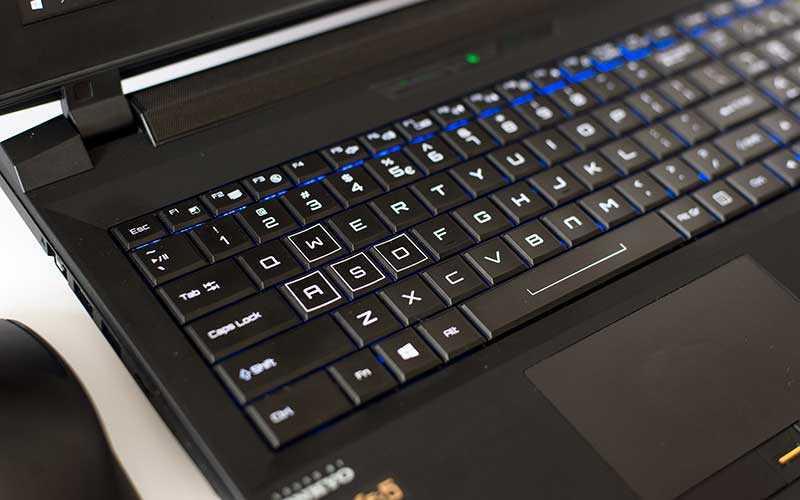Dream Machines X980 игровой ноутбук