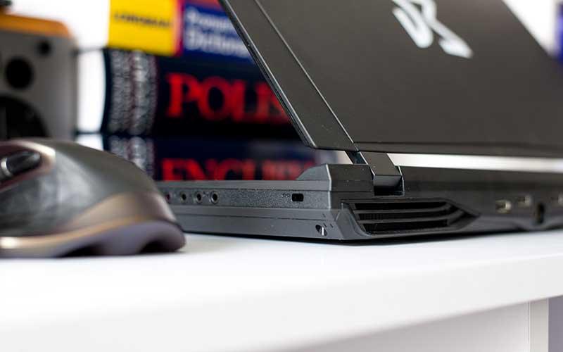 ноутбук Dream Machines X980