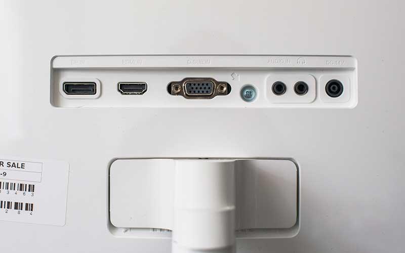 Samsung CF591 сзади