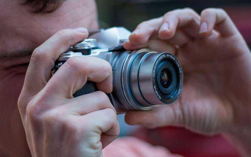 Фотокамера Olympus OM-D E-M10 Mark II