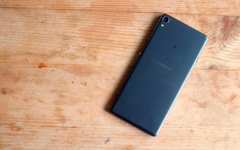 новый Sony Xperia XA
