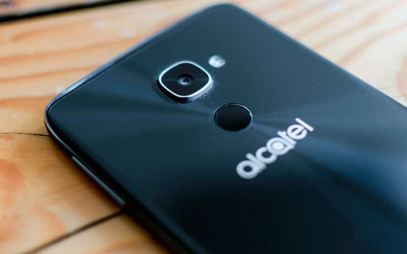 камера в Alcatel Idol 4S