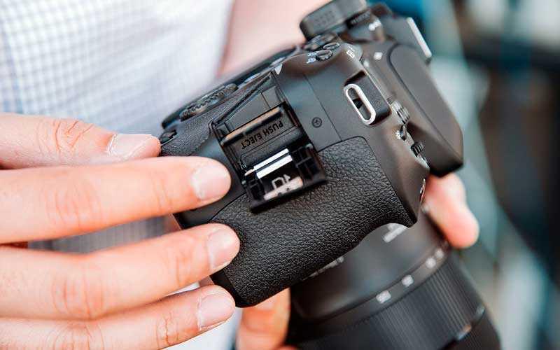 обзор Canon EOS 80D