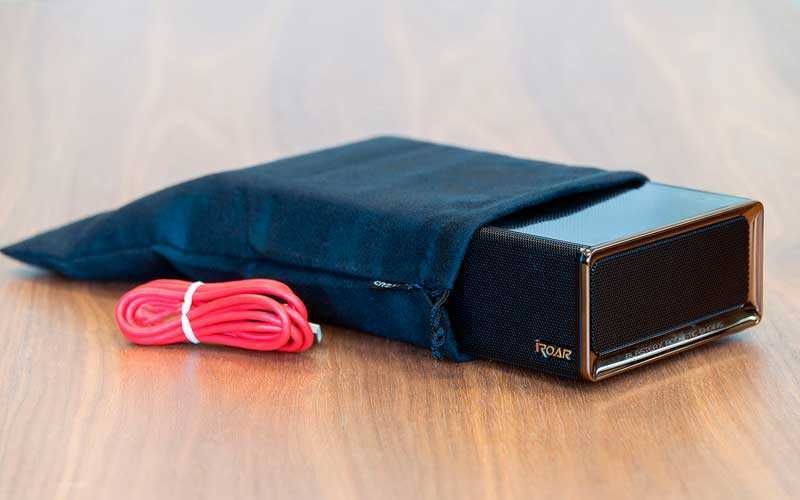 Bluetooth-динамик Creative iRoar