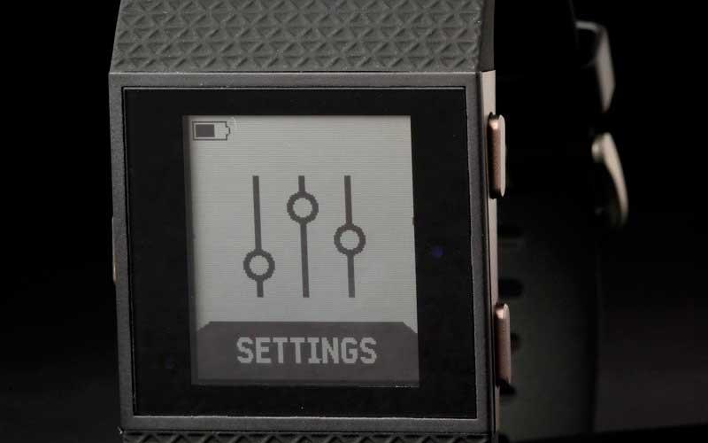 настройки Fitbit Surge