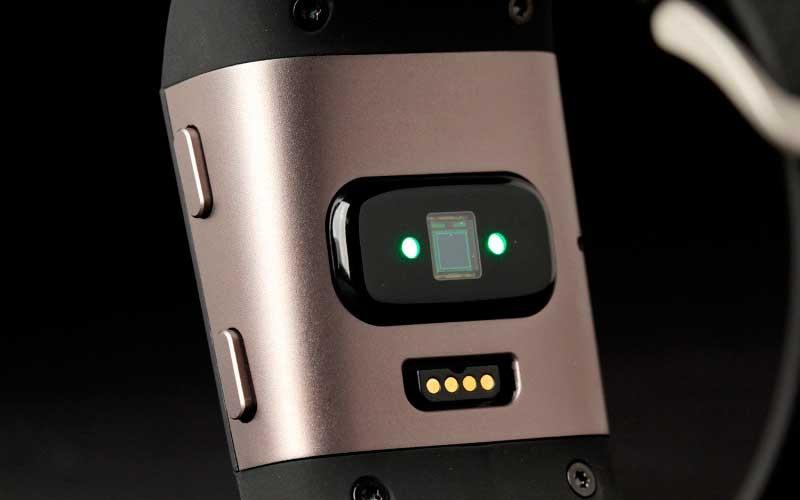 Fitbit Surge датчики