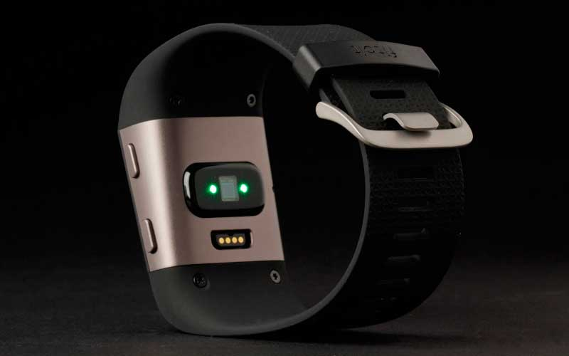 тест Fitbit Surge