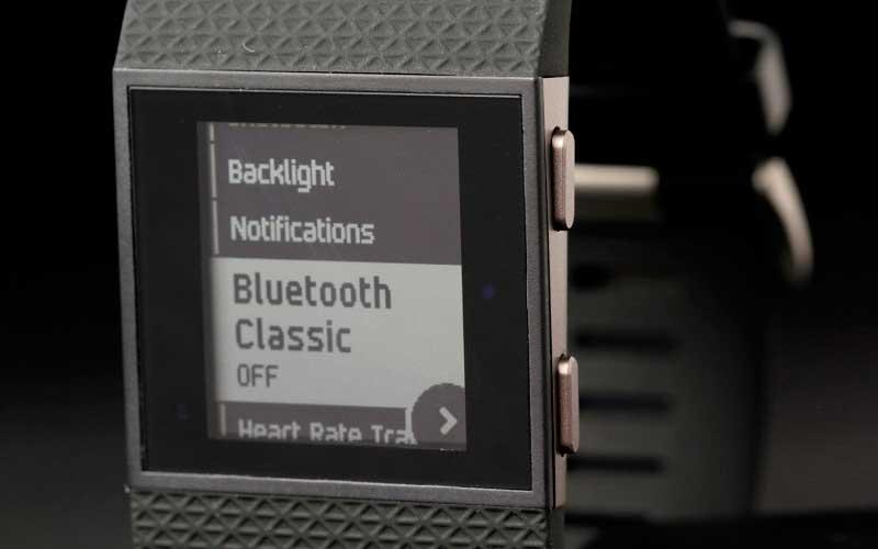 меню Fitbit Surge