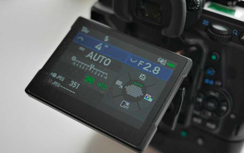 дисплей Pentax K-1