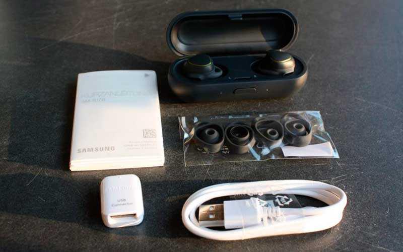 Беспроводные наушники Samsung Gear IconX