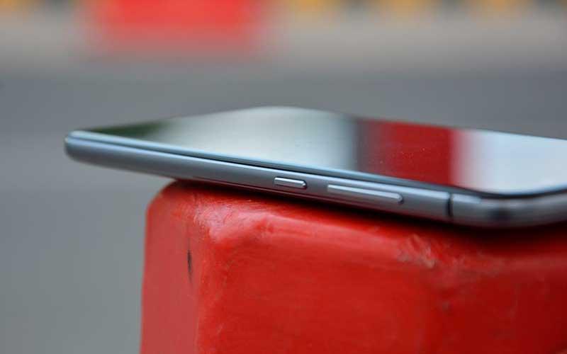 Телефон ZTE Blade V6