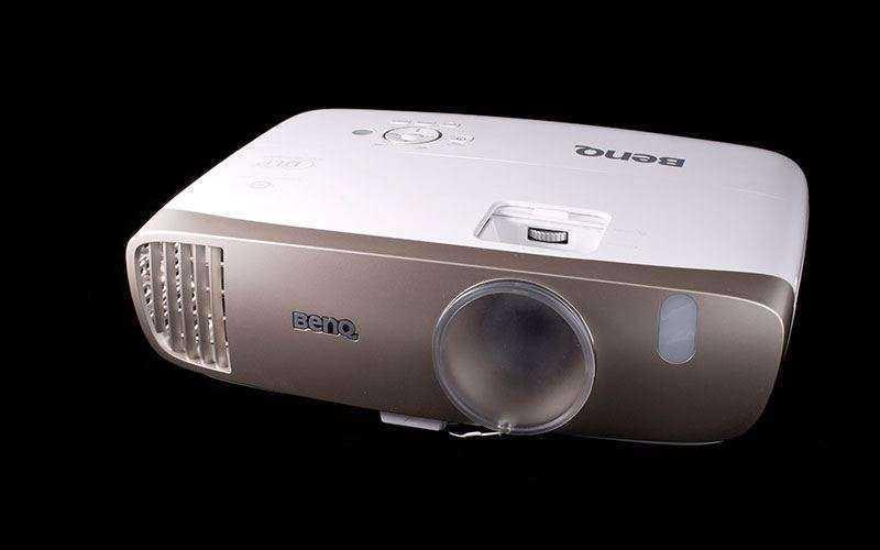 Обзор BenQ W2000 – Превосходный домашний проектор с хорошей ценой