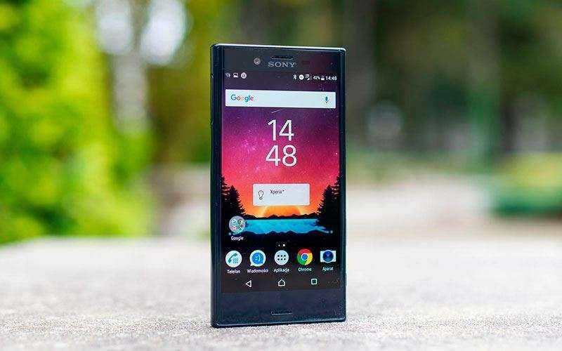 телефон Sony Xperia X Compact