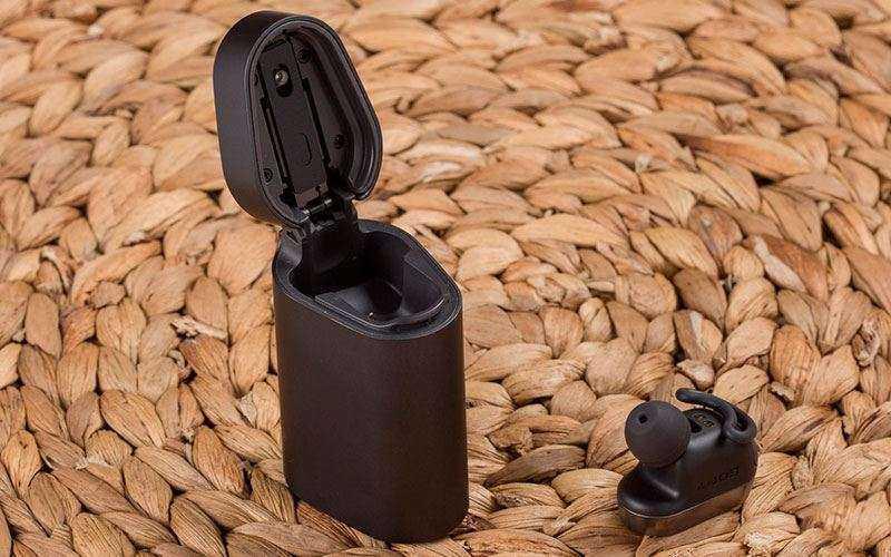 наушники Sony Xperia Ear