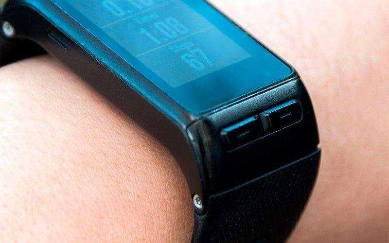 Смарт-часы Garmin Vivoactive HR