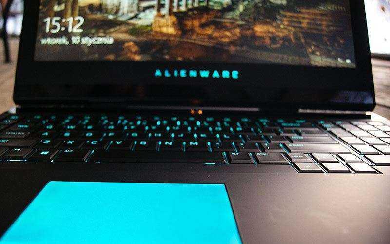 трекпад Alienware 17 R4