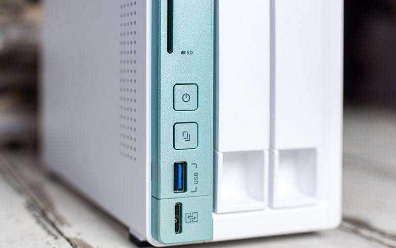 Сетевая система хранения данных QNAP TS-251A