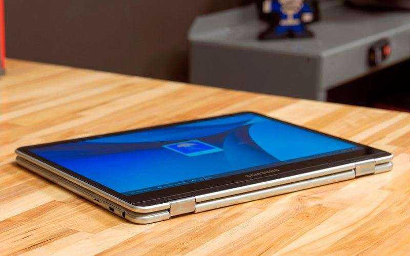 хромбук Samsung Chromebook Pro
