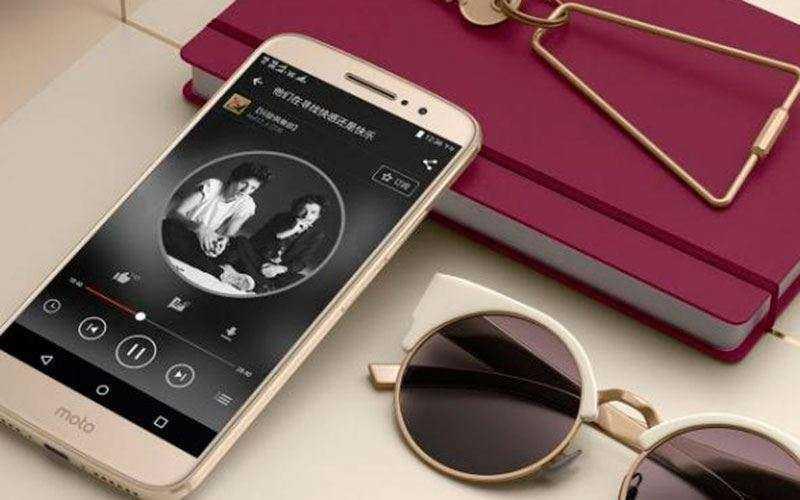 Обзор Motorola Moto M