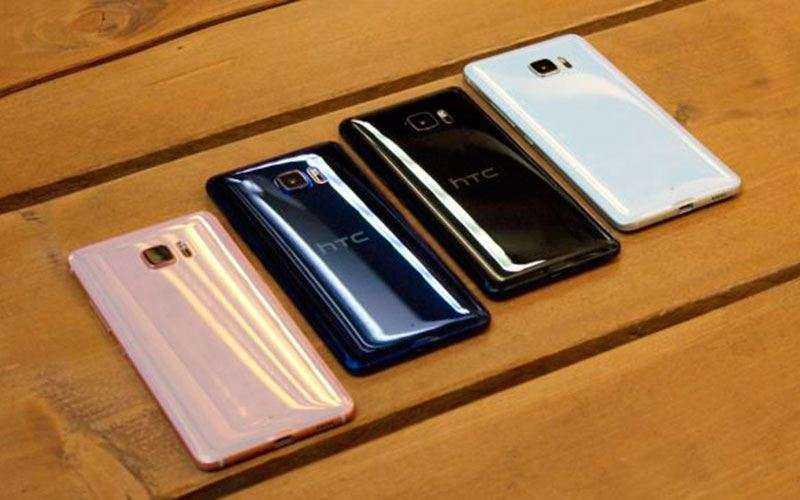 Фаблет HTC U Ultra - Обзор большого смартфона с двумя дисплеями от HTC