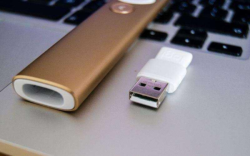 Logitech Spotlight работает с Bluetooth и USB-адаптером