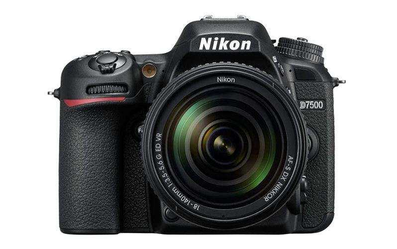 Новый фотоаппарат Nikon D7500