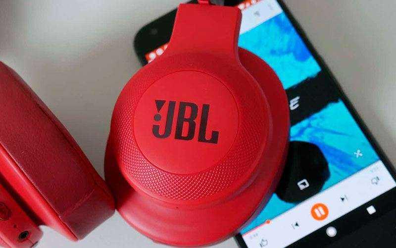 Звук в JBL E55BT