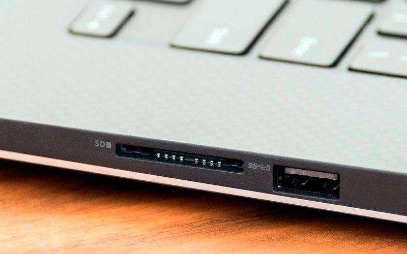 Dell Precision 5520 разъем