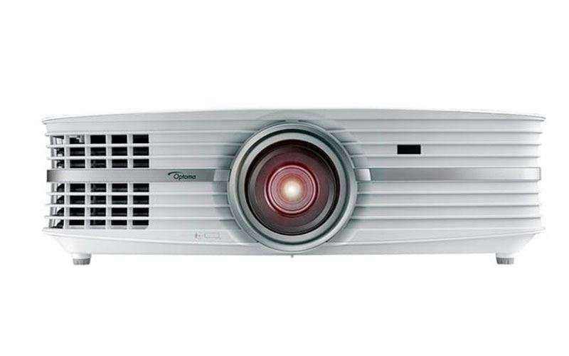 Заполните стены 4K изображением с помощью проектора Optoma UHD60