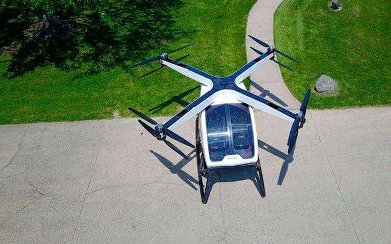 Квадрокоптер Workhorse SureFly с пилотом внутри