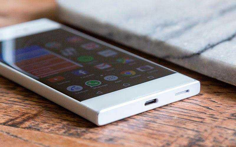 Экран Sony Xperia XA1