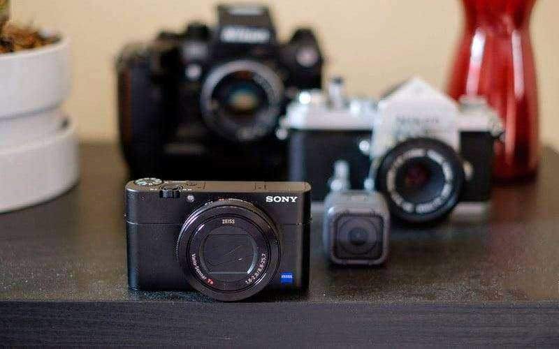 Sony Cyber-shot RX100 Mark V из коробки