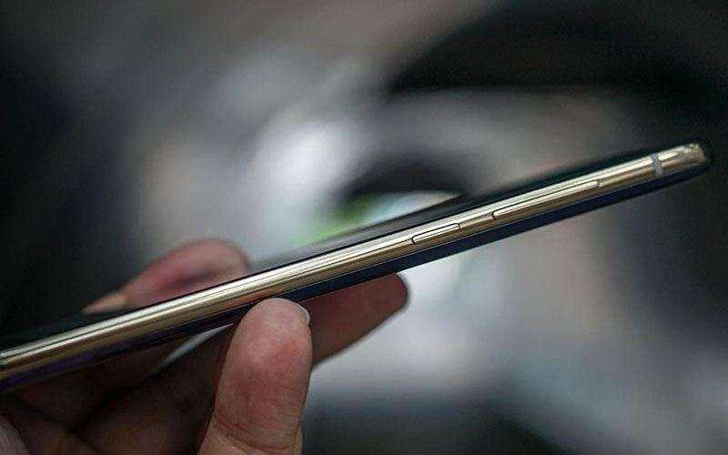 Телефон Xiaomi Mi6