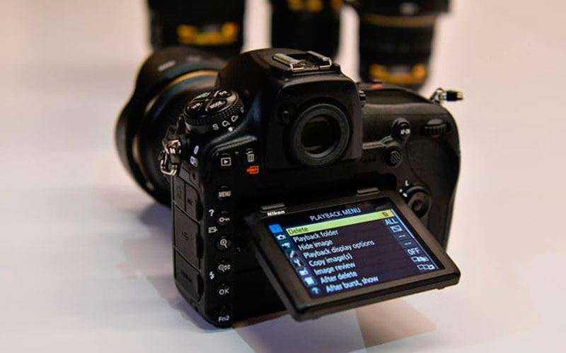 Новая фотокамера Nikon D850
