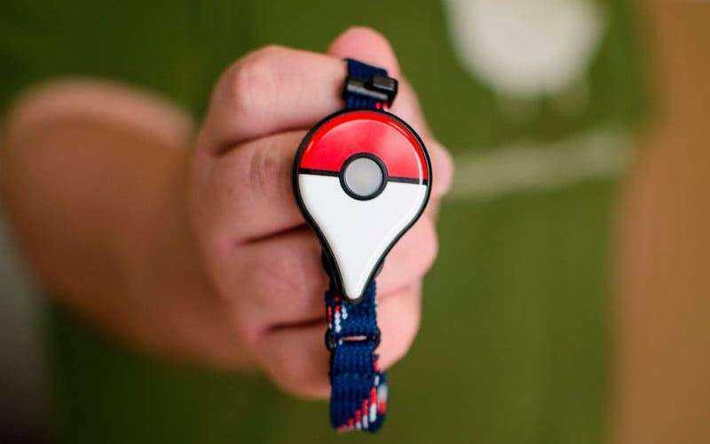 Использование Pokemon Go Plus