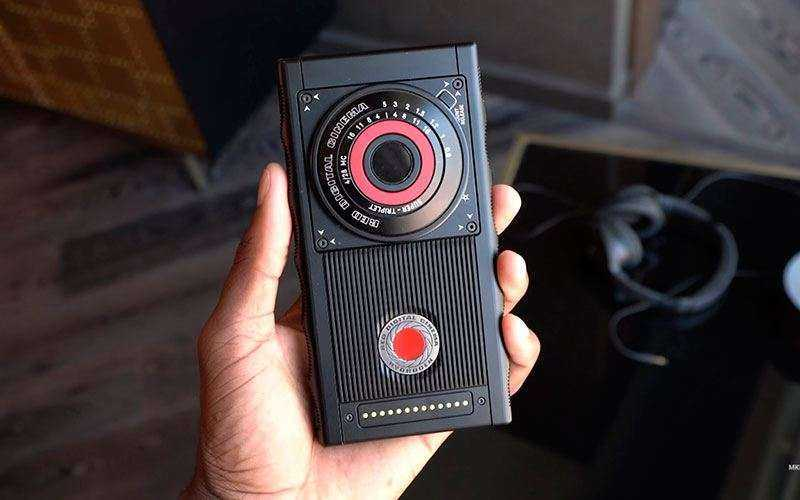 Новый телефон Red Hydrogen One