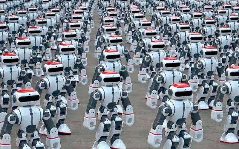Смотрите! Более 1 тыс. роботов танцуют для мирового рекорда