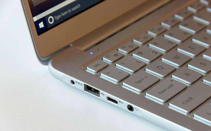 Портов в Samsung Notebook 9