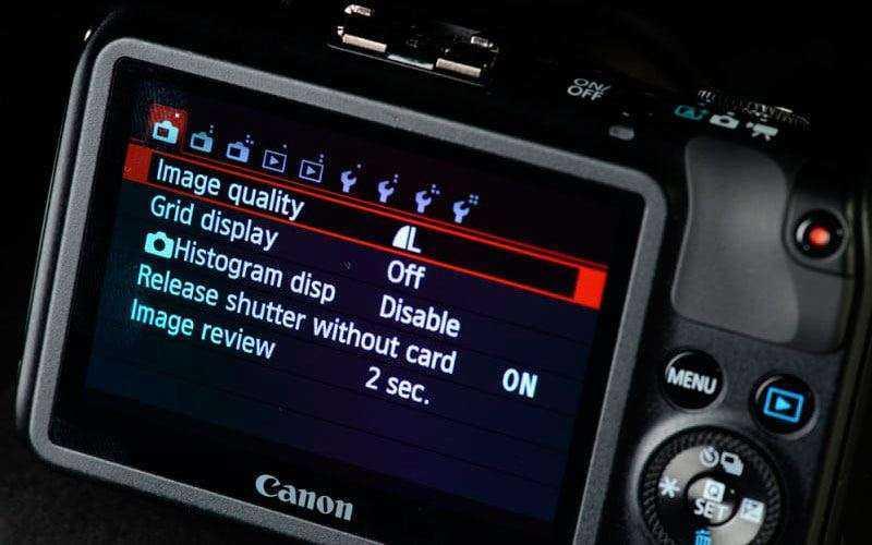 Экран Canon EOS M