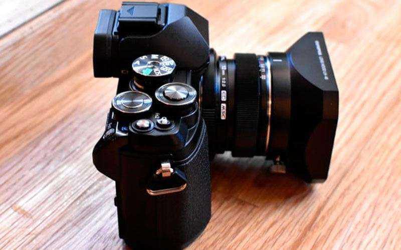 Обновлённая камера Olympus OM-D E-M10 Mark III